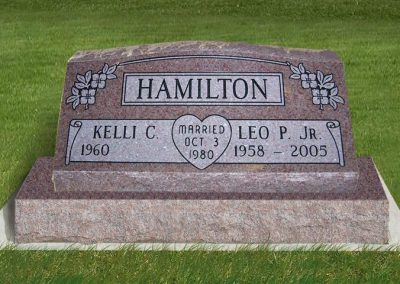 hamilton_slant_on_base_headstone