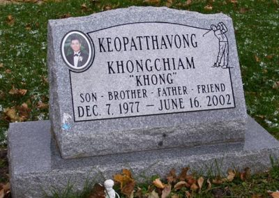 khongchiam_slant_headstone
